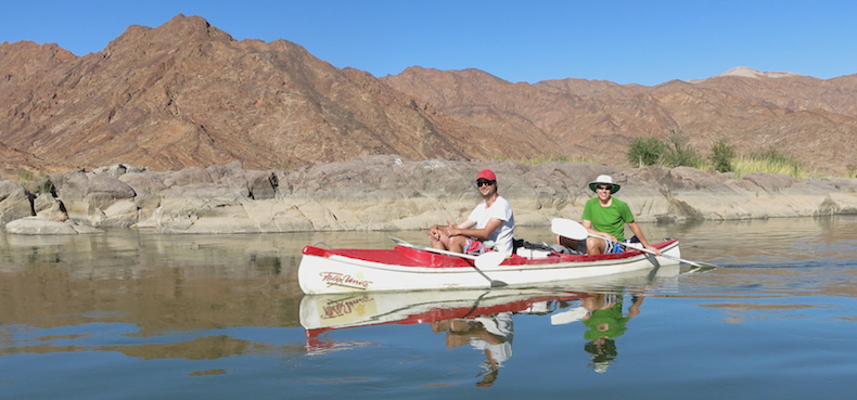 Orange River canoe safaris are synonymous with bright blue skies, bright sunshine and mesmerising scenery.